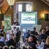 Ausgesprochen zufrieden zeigte sich die Wirtschaftsförderung Kreis Kleve mit den 55 Gästen, die sich für das aktuelle Unternehmerfrühstück interessierten. Im Hintergrund Bürgermeisterin Britta Schulz am Mikrofon. Foto: Kreis-WfG